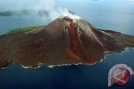 Antara Doeloe: Pulau Sertung dan Pulau Anak Krakatau tertutup abu 2 meter