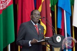 Robert Mugabe periksa kesehatan ke Singapura