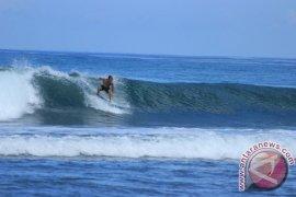 Peselancar: Ombak Teluk Sepang cocok untuk selancar