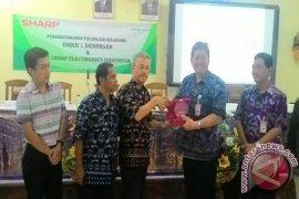 Sharp Indonesia Gerakkan Program CSR Untuk SMK