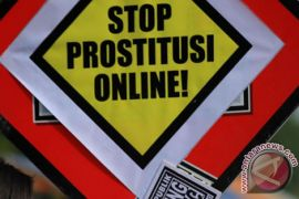 Mucikari prostitusi online dibekuk di Surabaya