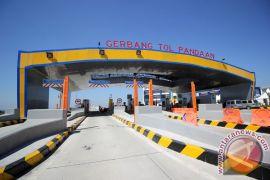 Arus milir Malang-Surabaya menumpuk di gerbang tol Pandaan