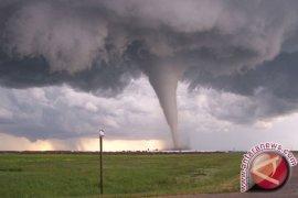 Tornado Tewaskan 13 Orang di Perbatasan Meksiko-AS