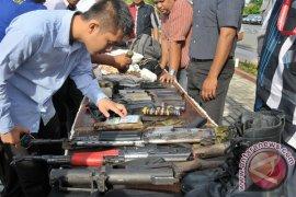 Satgas TMMD Aceh Barat terima senpi eks konflik