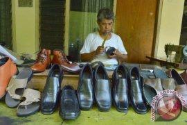 Produksi Sepatu Meningkat