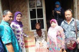Anggota DPR Bantu Penyandang Disabilitas Di Sukabumi
