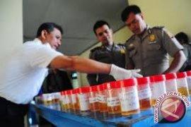 Polres Bogor tes urine 417 kepala desa