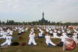 Bali Pecahkan Rekor Muri Yoga Terbanyak