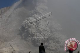 500 Military Personnel Deployed to Guard Mt. Sinabung Danger Zone
