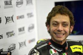 Valentino Rossi puas progres Yamaha