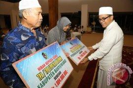 Pemkab Banyuwangi Bantu Guru Ngaji Rp8,5 Miliar