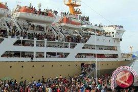 Penumpang Kapal Penyeberangan Mulai Meningkat
