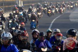 Jalur pantura Cirebon macet