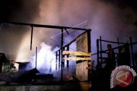 Tiga rumah di Singkil ludes terbakar