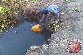 Warga Transmigran Pulau Maya Krisis Air Bersih