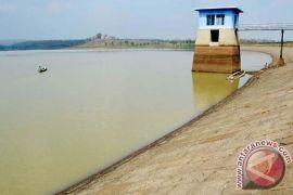 Stok air waduk Pacal Bojonegoro kritis