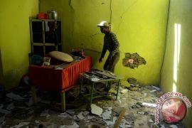 Polres Sumenep periksa saksi ledakan barang bukti bom ikan di Giligenting