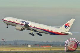 AP II evakuasi Malaysia Airlines pecah ban