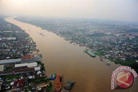 Kenaikan air pasang Sungai Kapuas 2,5 meter