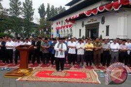 Gubernur Jabar Pimpin Shalat Istisqa