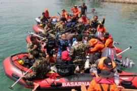 100 Perahu Rakyat Ramaikan Penanaman Terumbu Karang