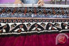 Museum Tekstil Pamerkan Ratusan Tenun Songket Nusantara