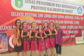 Tim Tari SMPN 1 Sekadau Wakili Kalbar FL2SN Nasional