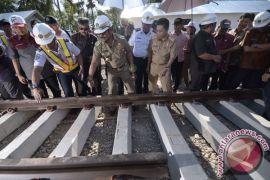 Gubernur Sulbar: pembangunan rel kereta api dimulai 2018