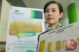 Ratusan Warga Denpasar Tabung Emas Di Pegadaian