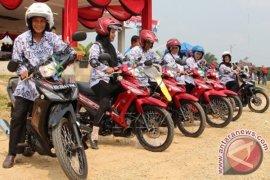 Hadiah Sepeda Motor Guru Non PNS
