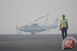 Bandara Pekanbaru Lumpuh Akibat Kabut Asap Tebal