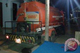BPBD Distribusikan Bantuan Air Keluarga Korban Kapal