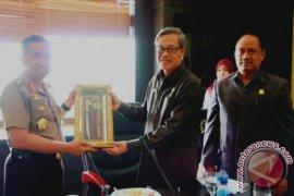 Kapolda Kaltim Silaturahmi Dengan Pimpinan DPRD
