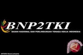 BNP2TKI Serahkan Bantuan pada 17 TKI Bermasalah