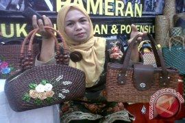 BI Gorontalo berkomitmen untuk kembangkan UMKM eceng gondok