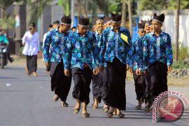 Ratusan warga Gorontalo ramaikan gerak jalan unik