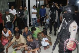 Tersangka Penganiayaan Aktivis Salim Kancil Jadi 22 Orang