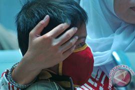 Ratusan warga kampung pemulung Bintara didiagnosa ISPA