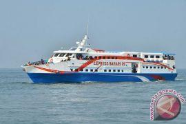 Penumpang kapal cepat dibatasi akibat cuaca buruk