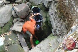Warga Di Pulau Maya Masih Kesulitan Air