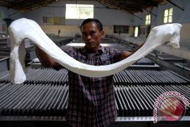 Gapkindo :  stok karet di Pabrik Sumut menipis