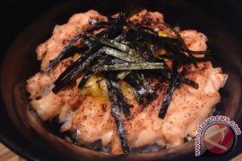 Mencicip mekanan pembuka halal khas Jepang