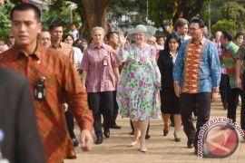 Ratu Denmark kunjungi Candi Borobudur