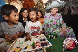 Ratu Denmark Terkesan Kesenian Rakyat Borobudur