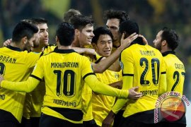 Dortmund dekati Bayern berkat dua gol Reus