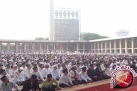 Shalat Istisqa di Istiqlal Diikuti Ribuan Orang