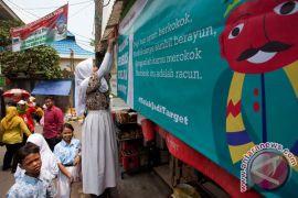 Delapan sekolah di Bekasi dan Tangerang Selatan turunkan iklan rokok