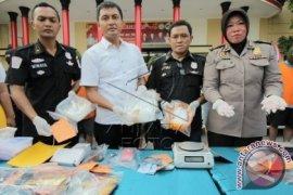 Polrestabes Surabaya Bongkar Peredaran Sabu Jaringan Internasional