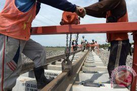 44 km pertama rel KA Trans Sulawesi dioperasikan pada Oktober