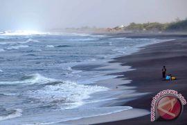 Liburan tahun baru, Pantai Glagah dikunjungi 15.345 wisatawan